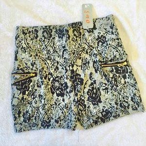 Pants - High waist shorts