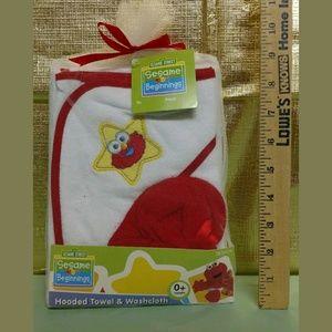 Sesame Street Other - Elmo Hooded Towel & Washcloth