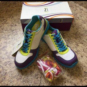 New retired Zumba Z1 tennis shoes