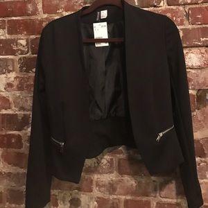 H&M Jackets & Blazers - NWT Black H&M Cropped Blazer