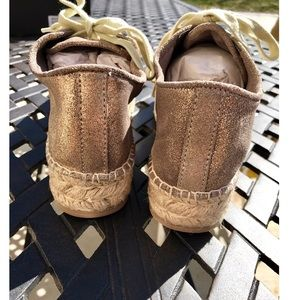 14b15589474 Steve Madden Shoes - Steve Madden NWT espadrille bottom gold sneakers