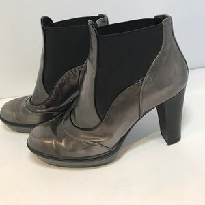 Tod's Shoes - Tod's Patent Leather Ankle boots