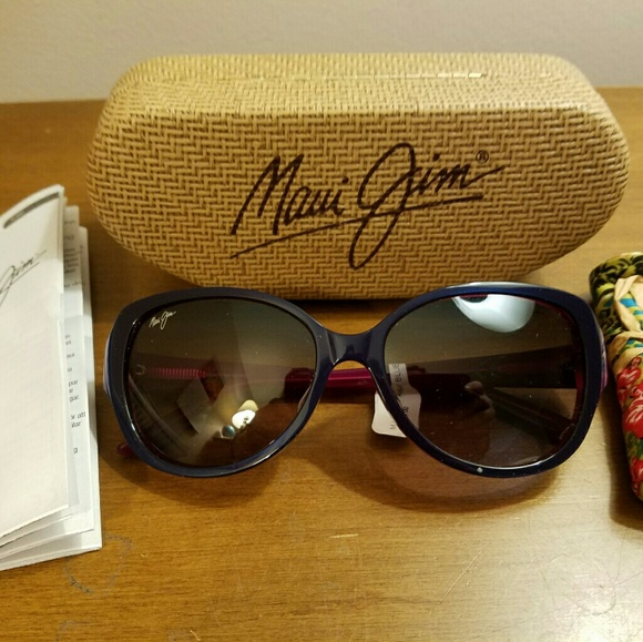 1aef6cab15 Maui Jim Authentic Swept Away Polarized Sunglasses