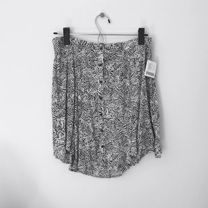 Urban Outfitters button down mini skirt. Size 6