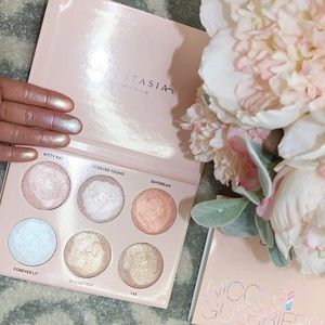 Anastasia Beverly Hills Other - Nicole Guerreiro Anastasia Highlighter