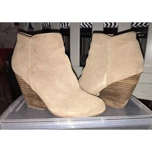 Urban Outfitters Ecote Suede Ankle Boots Size 6