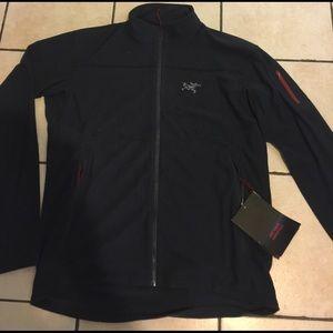 Arc'teryx Other - Arc'teryx essentials jacket