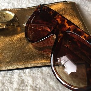 "Quay Australia Accessories - 🌹Last 1 ""Social Status"" FlatTop Aviator Sunglasse"