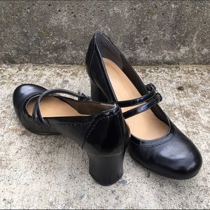 Naturalizer Shoes - Black Strappy Heels
