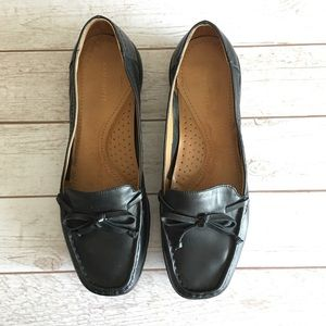 Easy Spirit Shoes - EASY SPIRIT Black Leather Loafers