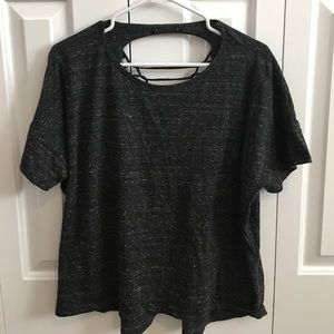 SALE🎉 Forever21 Twisted Back Tee