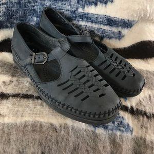 dexter Shoes - Dexter T-strap moccasin Boho Vintage