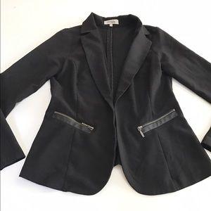 Jackets & Blazers - Black Blazer with pocket zippers