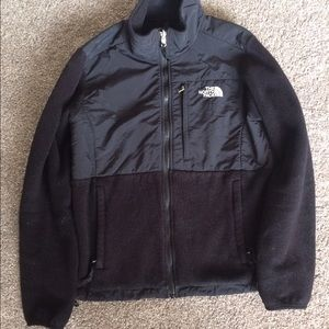 Women's size M Black Denali Fleece