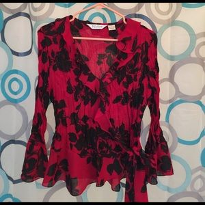 Allison Taylor Tops - Allison Taylor top Large long sleeve black/red