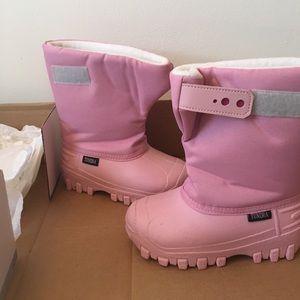 Tundra  Other - Girls tundra winter boots