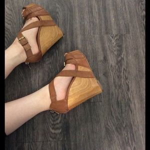 Cathy Jean Shoes - Cathy Jean tan wedges with straps and wooden wedge