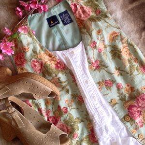 Liz Claiborne Romantic Floral Vest