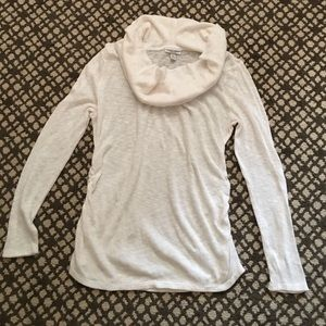 Liz Lange Cream Rouged Maternity Sweater Size L