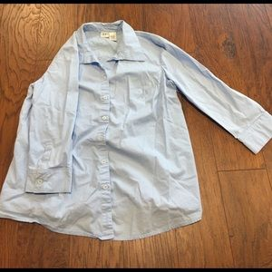 Duo Maternity Tops - Duo Maternity size M light blue button up shirt