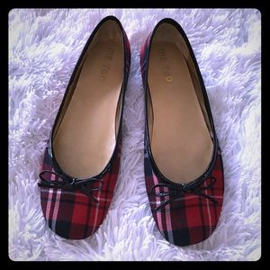 Me Too Shoes - 1 DAY SALE❗️Me Too Red Plaid Ballet Flats