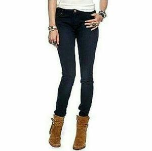 Chip & Pepper  Denim - Chip & Pepper black syd skinny jeans size 31 NWT!