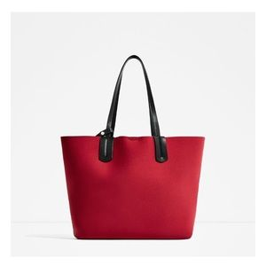 Red contrast mini city bag with inner wallet