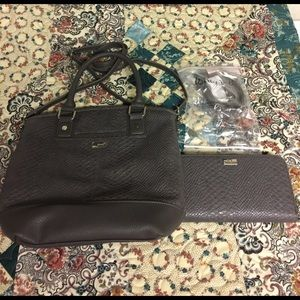 Thirty One Handbags - Thirty One bag and wallet set