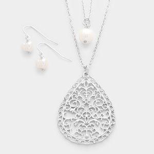 "goodchic Jewelry - the ""Selena"" set"