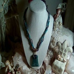 Jewelry - Gorgeous emerald green necklace