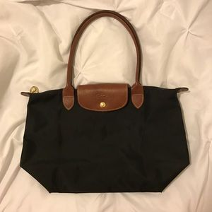 Longchamp Handbags - Longchamp Black Medium Le Pliage Tote