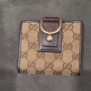 Authentic Gucci wallet!!