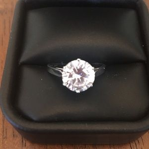Erwin Pearl Jewelry - Erwin Pearl Bridal Ring !! 14 KT White Gold !!