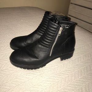 Cathy Jean Shoes - Black ankle boots with silver zipper.