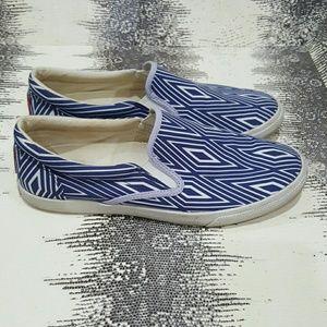 Bucket Feet Shoes - Bucketfeet rare blue diamond slip on sneakers