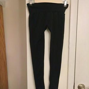 HUE Pants - HUE leggings