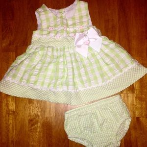 Bonnie Baby Other - 🌷🍃Light Green & White Gingham Pattern Dress