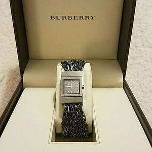 *Authentic* Burberry Chain Watch In Box