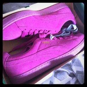 Classic suede pink pumas