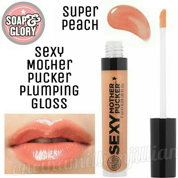 Sexy mother pucker lip plumper