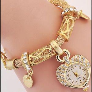 Jewelry - GOLD SHINE BRACELET WATCH