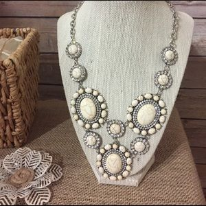 Jewelry - White Howlite & Crystal Statement necklace