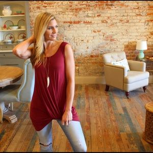 Tops - Burgundy knit front tunic