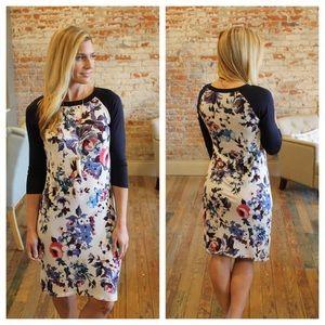 Dresses & Skirts - Navy floral contrast dress