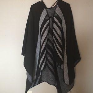 Soft Surroundings Jackets & Blazers - Soft Surroundings Blanket Poncho