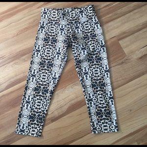 Onzie Pants - Onzie funky Capri workout pants XS