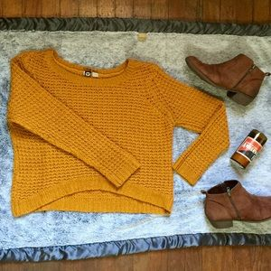Cropped knit mustard yellow foxy sweater 