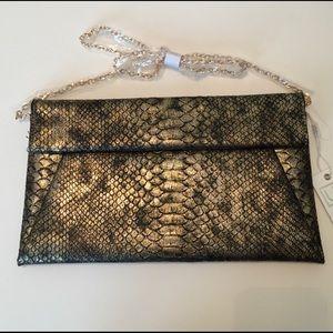 Urban Expressions Handbags - 🆕 Metallic snakeskin vegan leather handbag