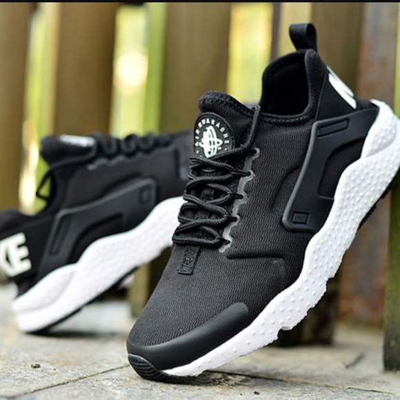 new product 51377 83b58 NWT Nike huarache ultra black ♤️
