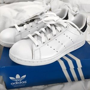 Adidas Shoes - NWT Adidas Stan Smith (Women's US 4.5)